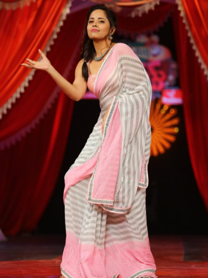 Anasuya in the clothe