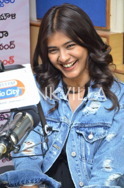 Hebah Patel is all smiles on the show