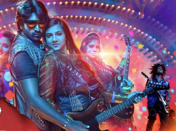 Vijay Sethupathi and Madonna Sebastian in Kavan