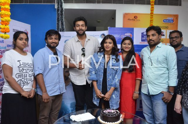 Varun Tej and Hebah Patel with the RJs at the station