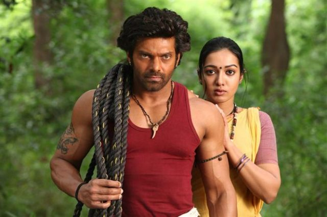 Arya and Catherine Tresa in Kadamban