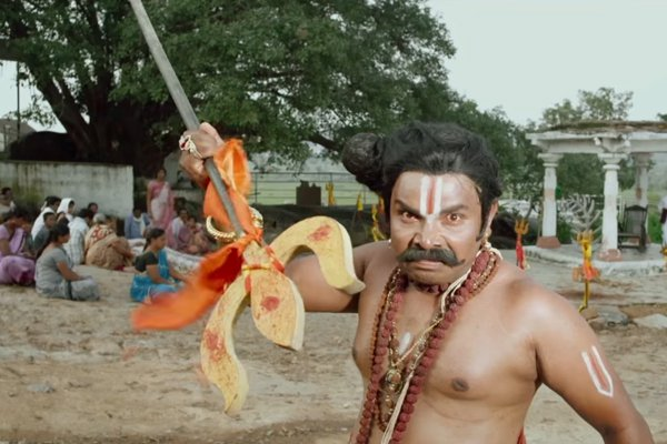 Sampoornesh Babu's look in Kobbari Matta