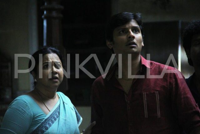 Jiiva and Radhikaa in Sangili Bungili Kadhava Thorae