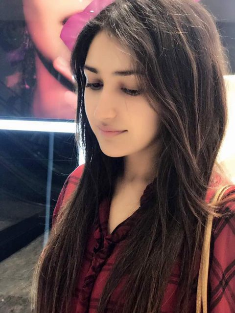 Sayyeshaa's Dubai sojourn gives us some serious vacation goals