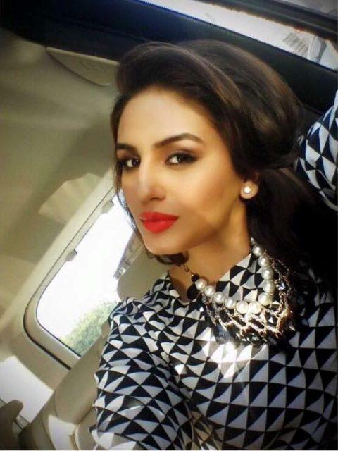 Huma Quershi starts shooting for Rajinikanth's Kaala Karikaalan