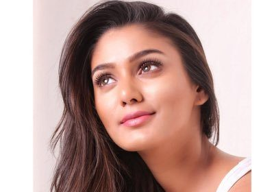 Rangoon star Sana Makbul opens up about working with Gautham Karthik