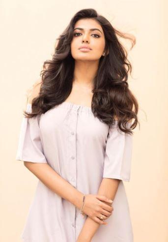 Actor Rajasekhar's daughter, Shivani Rajasekhar, is making her debut in films