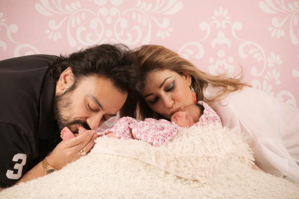 ये है अदनान सामी और रोया सामी की प्यारी बेटी मदीना