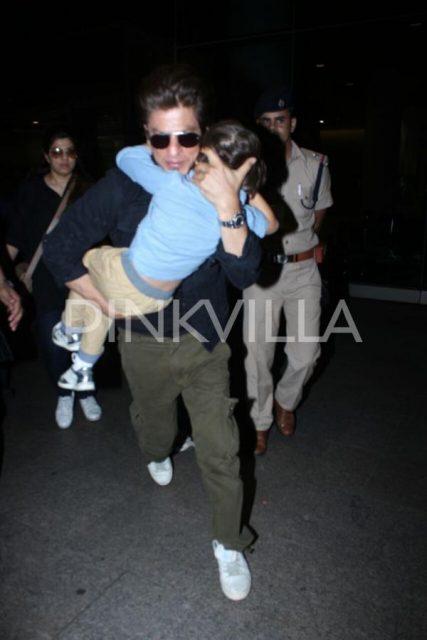 शाहरुख़ खान दुबई से फिल्म का प्रमोशन कर लौटे मुंबई