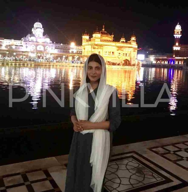 Shruti Haasan visits the Golden Temple in Amritsar