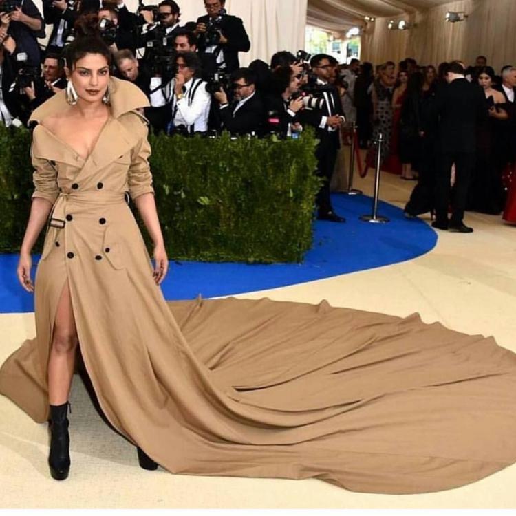 जब उनकी मीट गाला ड्रेस ट्विटर के मजाक बन गया!