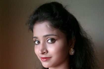 19-yr-old Tamil actress Mahima Singh accuses a B-Town's director of molestation