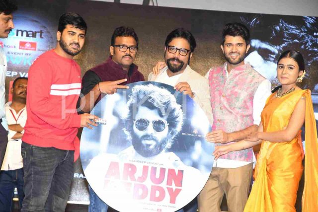 Photos: Pre-release event of Vijay Deverakonda's Arjun Reddy adds more buzz around the film
