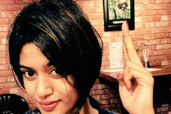 Bigg Boss Tamil ex-contestant Oviya tweets for the first time post her walk out from the show and her army erupts out of joy