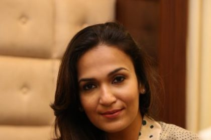 Actor Vivek reveals that VIP 2 director Soundarya Rajinikanth may soon make her acting debut