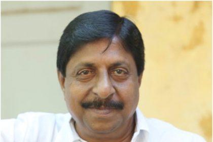 Actor Sreenivasan's house smeared in black oil