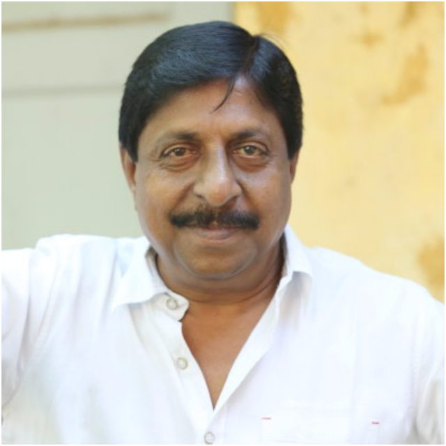 Actor Sreenivasan's house smeared in black oil