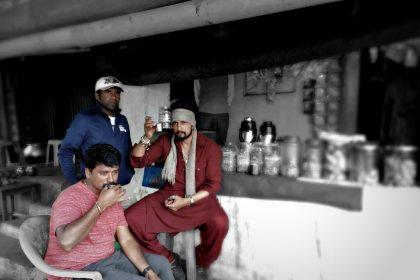 Photo: Sudeep and 'The Villain' director Prem bond over a cup of tea