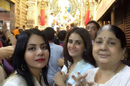 Photos: Parul Yadav visits the famous Lalbaugh Cha Raja Ganesh in Mumbai
