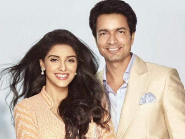 Actress asin and husband rahul sharma blessed with a baby girl asin and rahul altavistaventures Images