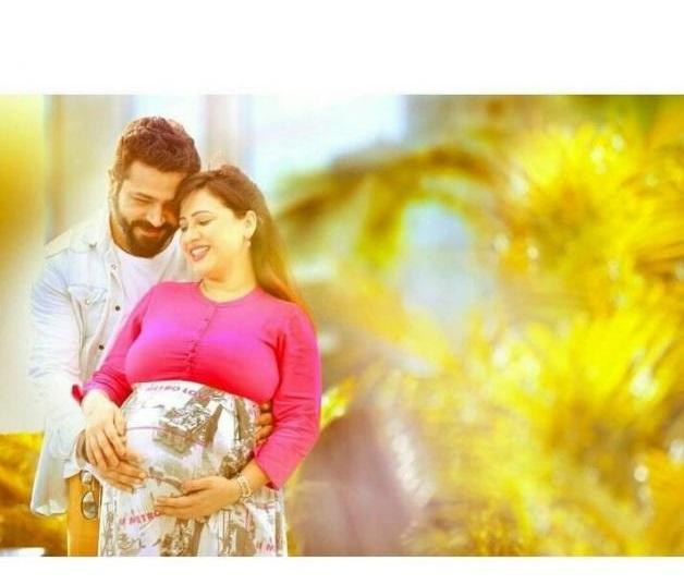 पूजा जोशी ने अपने पहले बच्चे को जन्म दिया और उसका नाम है रिद्धिमा