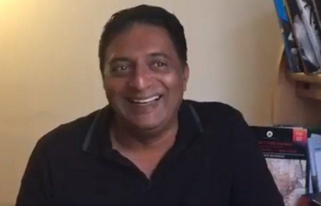 I'm not a fool to return National Awards, says Prakash Raj clarifying his statement about Gauri Lankesh murder