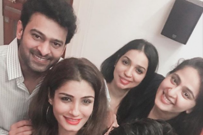 Pic of the day: Prabhas, Anushka Shetty, Rana Daggubati and Raveena Tandon strike a pose