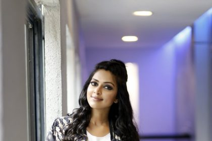 Amala Paul praises Nayanthara starrer Aramm