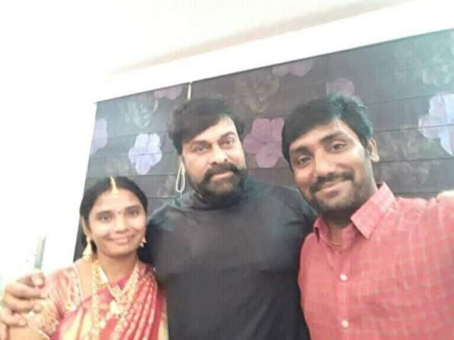 Chiranjeevi met his fan and gifted him some new clothes.
