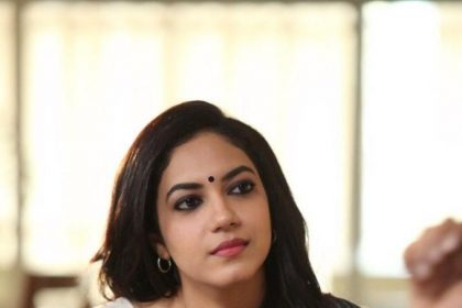 Ritu Varma looks classy in this still from Dhruva Natchathiram