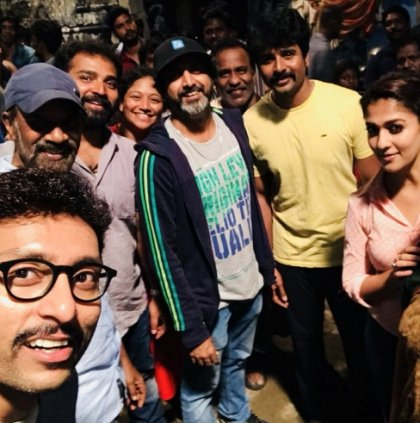 Photo: Sivakarthiyan and Nayanthara wrap up the shoot of Velaikkaran
