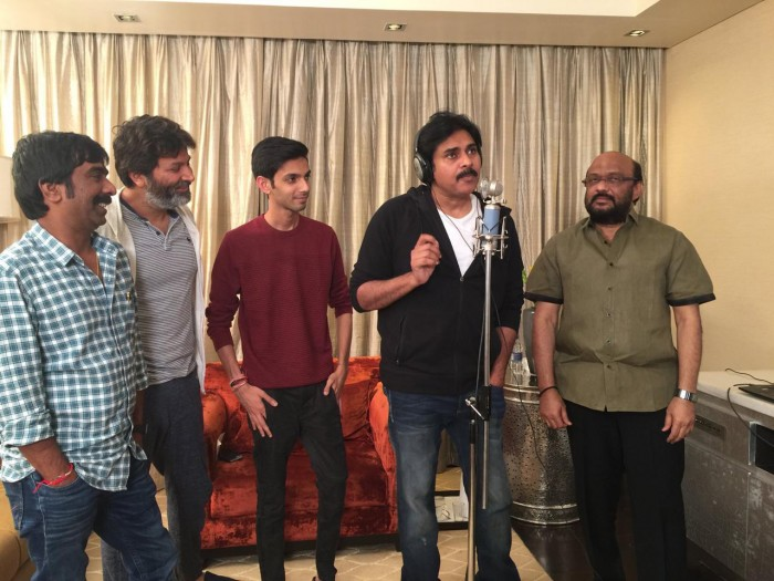 Pawan Kalyan sings a special number for 'Agnyaathavaasi'; To be released on New Year's Eve
