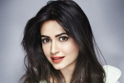 Sandalwood star Kriti Kharbanda shoots for Yamla Paga Deewana: Phir Se featuring the Deols