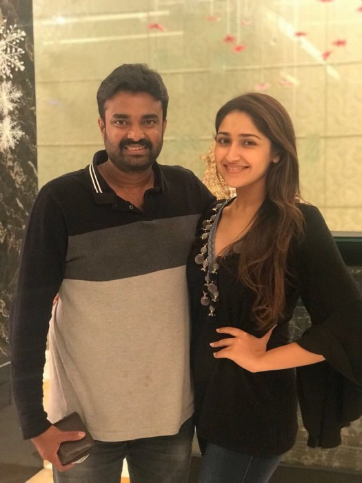 Photos: Sayyeshaa enjoys a fun-filled 'reunion' dinner
