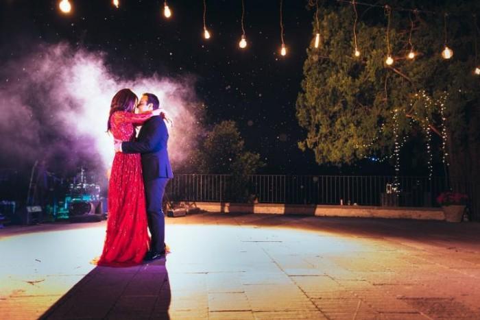 सुरवीन चावला ने बिजनेसमैन अक्षय ठक्कर से 2015 में रचाई थी गुपचुप शादी