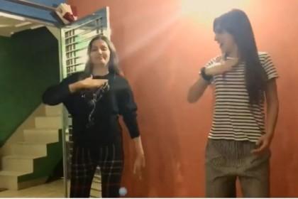 बिग बॉस के घर के बाहर वायरल हुआ सपना चौधरी और बेनाफशा सूनावाला का डांस विडियो