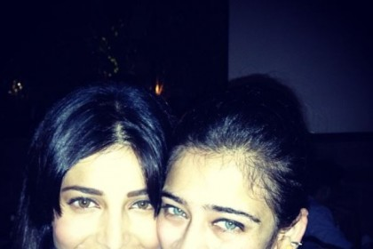 These photos of Shruti and Akshara prove that the Haasan sisters are coolness personified