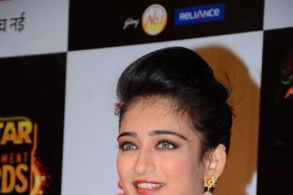 Akshara to star opposite Vikram in Kamal Haasan's latest production venture