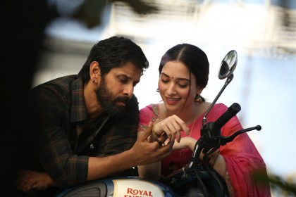 Box Office Report: Vikram's 'Sketch' gets a steady opening on day 1