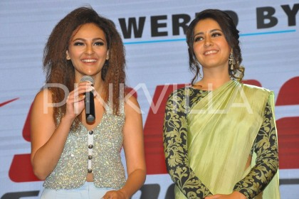 Photos: Lovely ladies Raashi Khanna and Seerat Kapoor bond at the Touch Chesi Chudu pre-release event