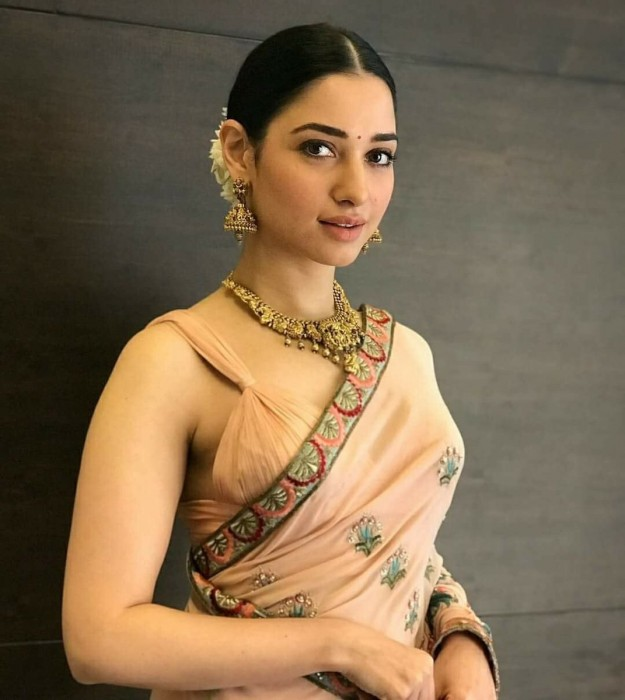 Photos: Tamannaah sports a classy traditional look as she attends an event