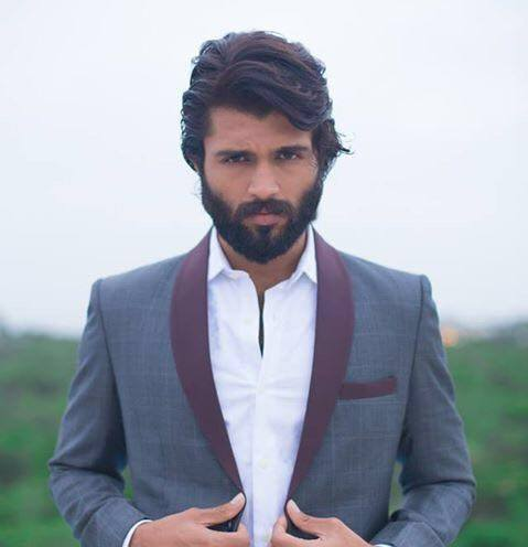 Vijay Deverakonda resumes work on Taxiwala