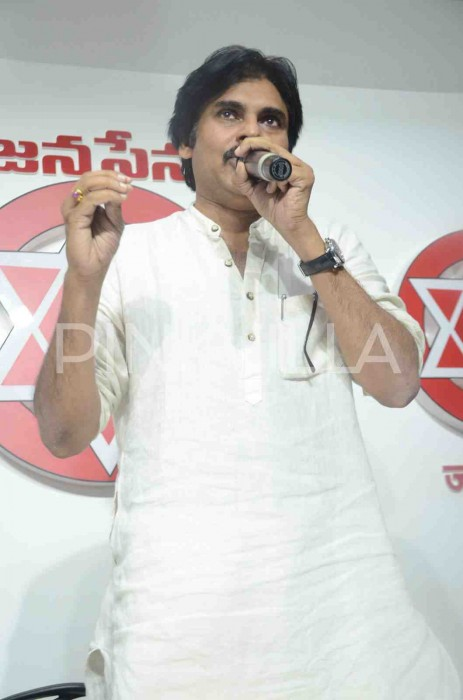 Pawan Kalyan voices out his concerns about the 'Special Status' issue in the state