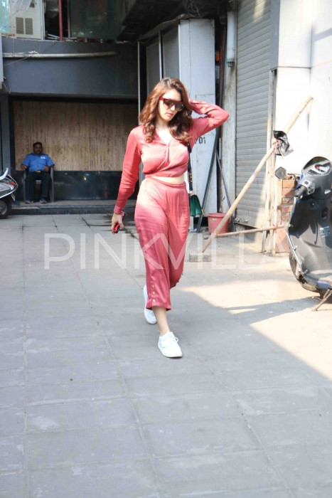 Photos: Hansika Motwani spotted with a new look in Mumbai