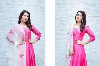 A pretty Raashi Khanna attends the Tholi Prema Thanks meet