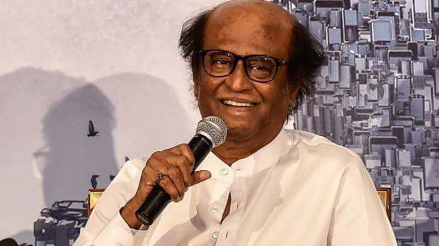 Following Rajinikanth's remarks on the Cauvery Verdict, pro-Kannada group burns his effigy