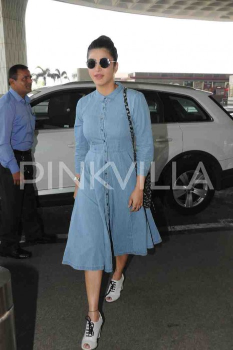 Photos: Shruti Haasan spotted at the airport in an uber-cool look