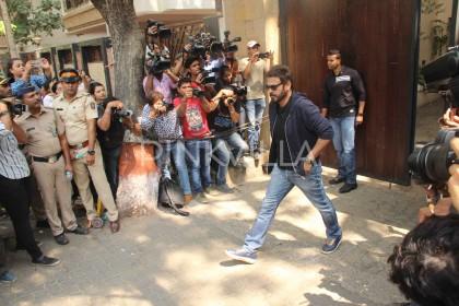 Sridevi Demise: Venkatesh arrives at Anil Kapoor's house to pay final visits