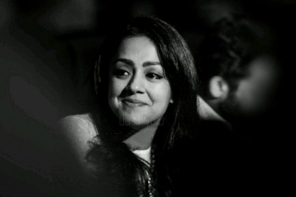 Jyothika to star in the remake of Tumhari Sulu