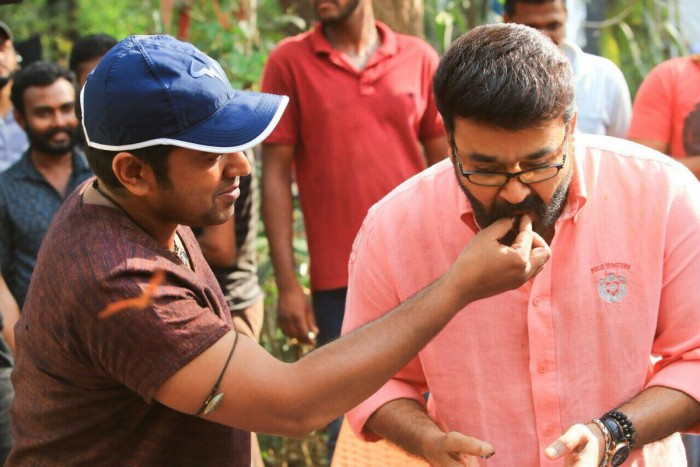 Photos: Mohanlal joins Nivin Pauly on the sets of Kayamkulam Kochunni
